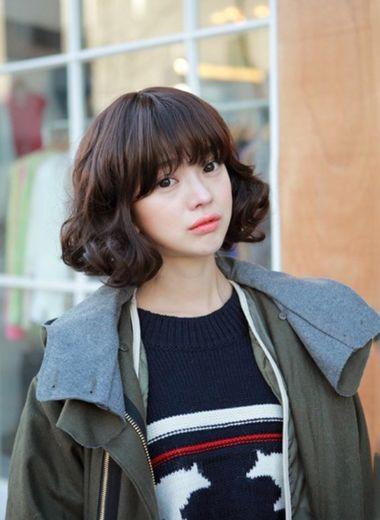 女性圆脸短发型 女生圆脸适合什么短发